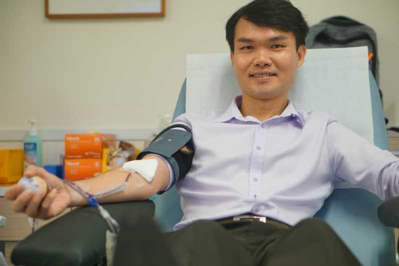 Chin Hock donating blood